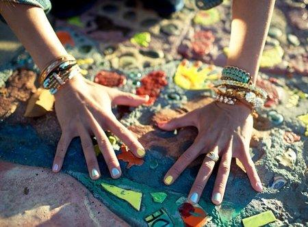 Esta temporada se llevan los colores pastel en las uñas, ¿te animas?