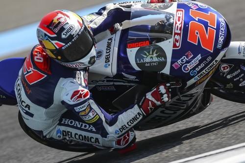 ¡De infarto! Di Giannantonio gana en Tailandia, Bezzecchi no termina y Martín es más líder de Moto3