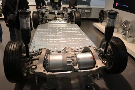 1024px Tesla Motors Model S Base