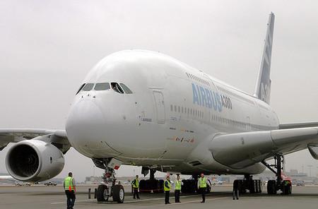 El Airbus A380 llega a Manchester y Liverpool