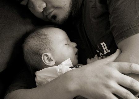 Qué duro es ser padre cuando el entorno no te apoya (I)