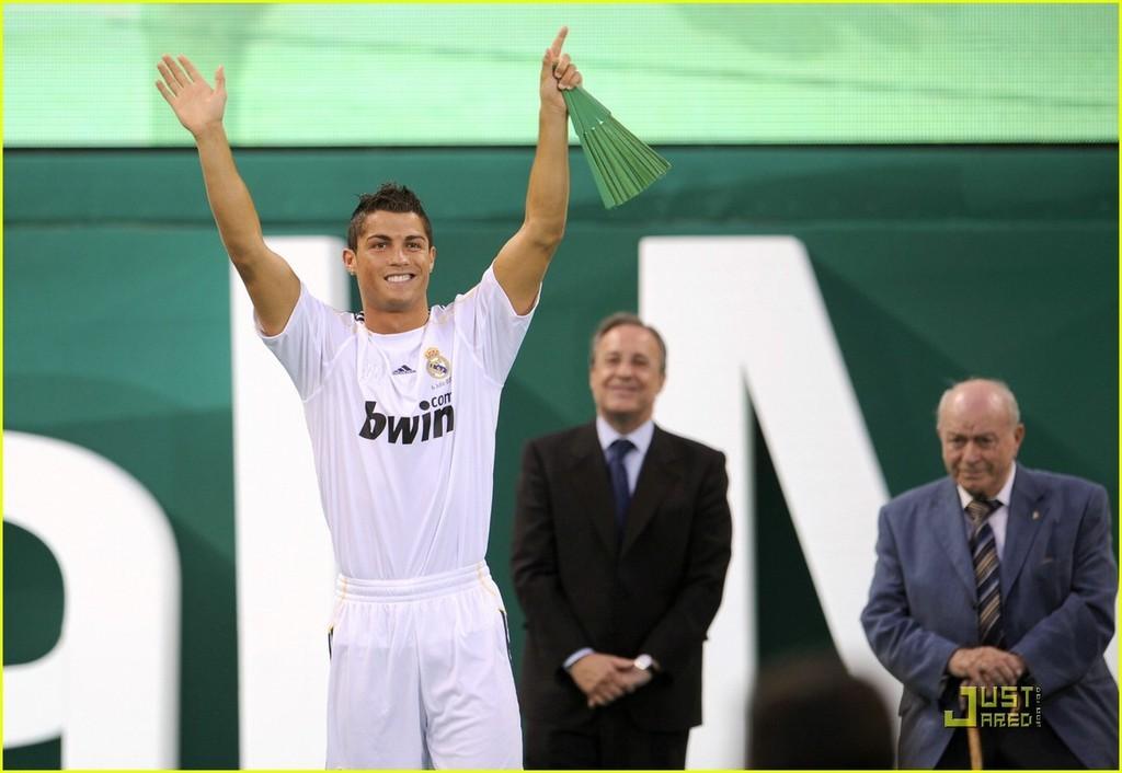 Foto de Presentación de Cristiano Ronaldo en el Real Madrid (2/6)