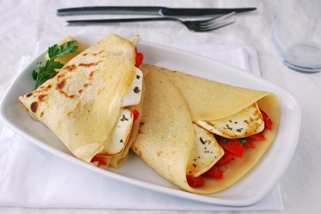 Cr pes salados rellenos de burgo de arias lingote y pimiento for Como cocinar crepes