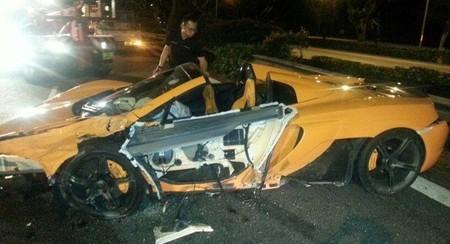 McLaren 650S destrozado en Singapur