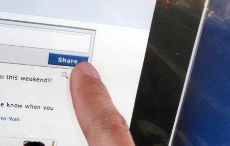 Facebook podría estar trabajando junto a Apple para lanzar su web en HTML5