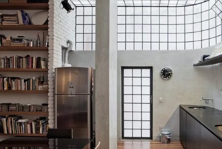 Puertas abiertas: Cinderela, un oscuro apartamento convertido en luminoso loft