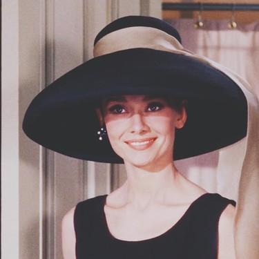 El estilo de Audrey Hepburn aún perdura: cinco looks que nos ha inspirado la actriz
