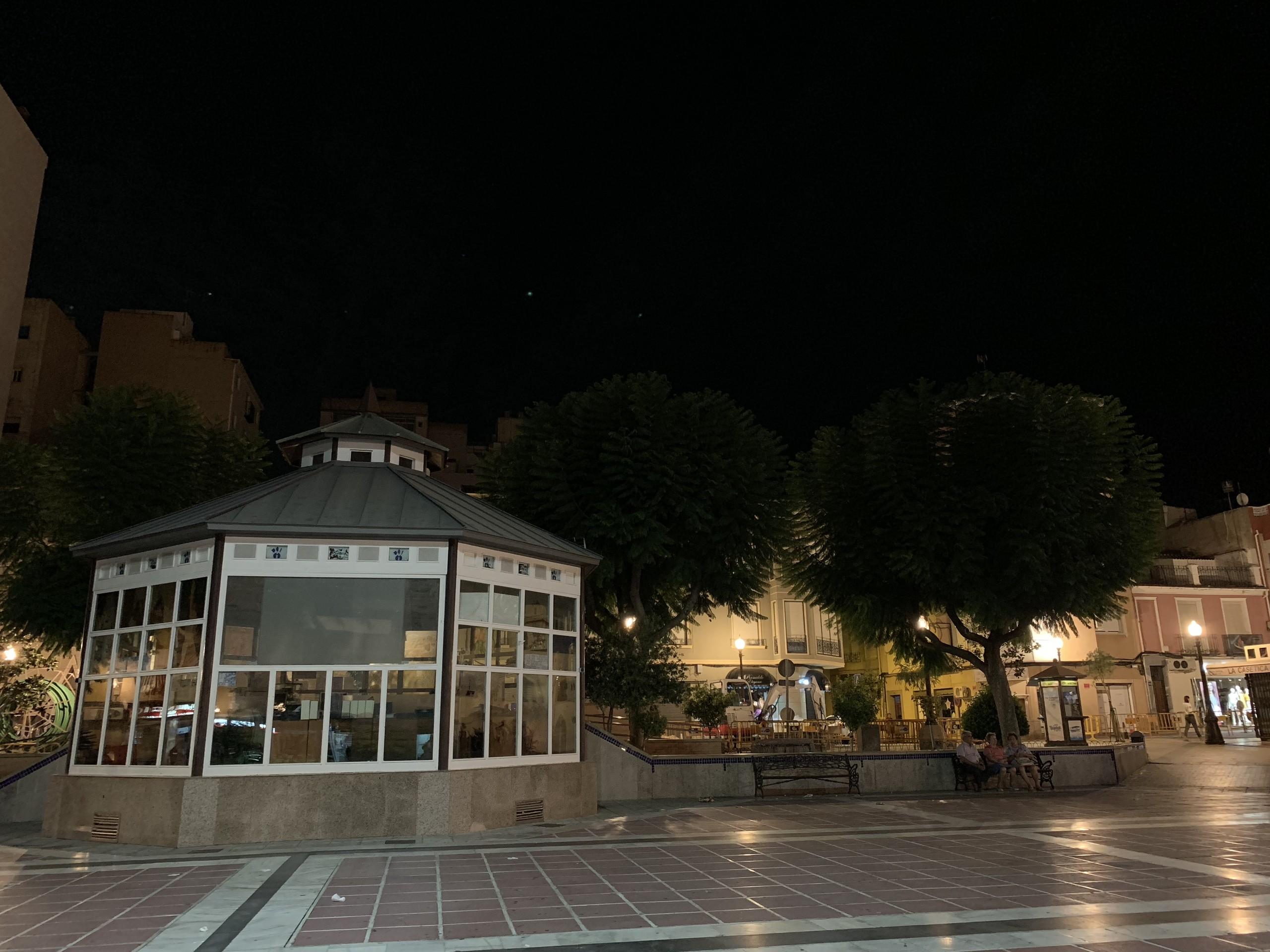 Foto de iPhone XS Max de noche (10/17)