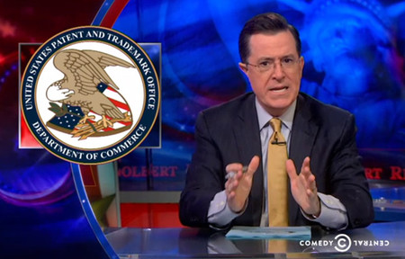 El showman Stephen Colbert ridiculiza hasta el absurdo la patente de Amazon sobre el fondo blanco