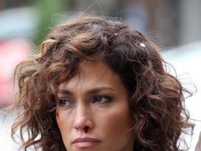 Jennifer López seduce a la cámara con un look que, al menos, le deja respirar
