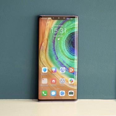 Huawei Mate 30 Pro, análisis: la experiencia con un móvil sin servicios de Google contada por tres usuarios distintos