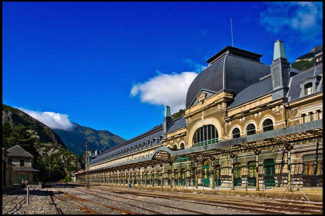 Canfranc: una de las estaciones de tren más bonitas de España se convertirá en hotel