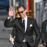 Tom Hiddleston viste como el perfecto James Bond para el programa de Jimmy Kimmel