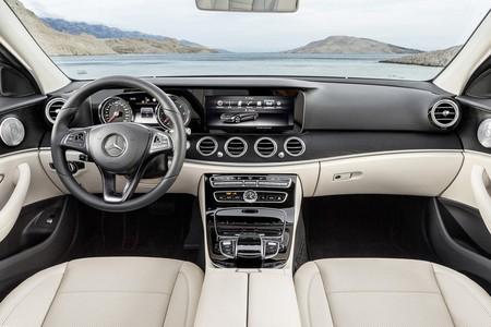 ¿Sabrías decir a qué modelo de coche corresponden estos 11 interiores?