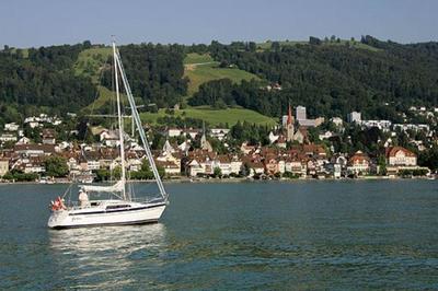 Zug: la ciudad donde no se pagan impuestos, no hay paro y los pobres ganan 100.000 euros