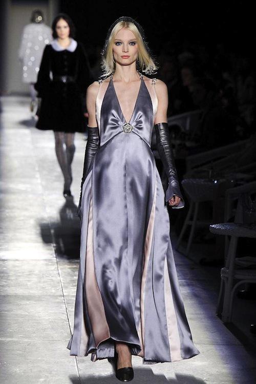 Foto de Chanel Alta Costura Otoño-Invierno 2012/2013: rosa, gris, brillos y nuevo vintage (26/61)