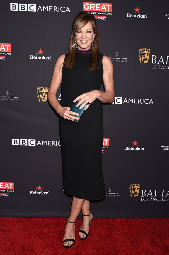 tea party bafta alfombra roja Allison Janney