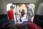 Los 10 indispensables que debes tener en el coche si tienes hijos