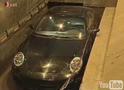 Precioso Porsche 911 destrozado en una prensa: dolor no, terror es la palabra