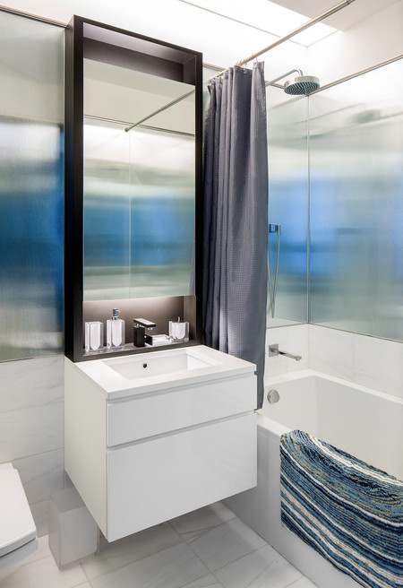 One57 Luxury Condo Guest Bathroom 1