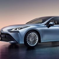 El coche de hidrógeno Toyota Mirai se renueva este año en Europa con 500 km de autonomía y... pocos puntos para repostar