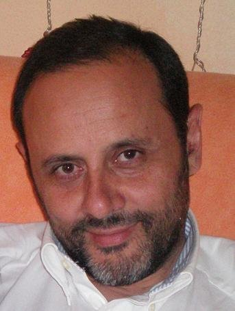 """""""En la especie humana parir tumbada no es lo habitual"""". Entrevista al doctor Emilio Santos (III)"""