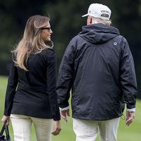 Melania Trump deja los vestidos de fiesta y nos propone dos looks perfectos para el fin de semana