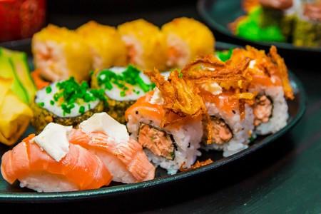 ¿Por qué al hacernos mayores empiezan a gustarnos el sushi o las pasas? Así evoluciona nuestro gusto