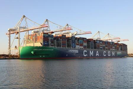 El CMA CGM Jacques Saadé es un carguero de contenedores con un récord mundial y el primero de una flota de nueve megabuques