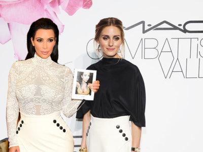 ¿Qué estará pensando la estilosa Olivia Palermo al ver a la menos estilosa Kim Kardasian con su misma falda de Dior?