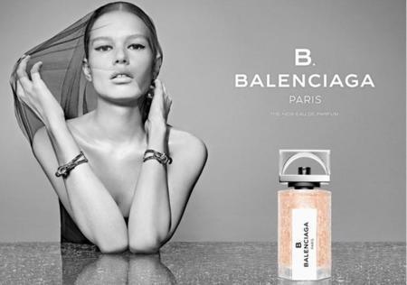 Anna Ewers Modelo campaña fragancia B. Balenciaga