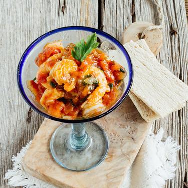 Cóctel de langostinos en salsa sriracha: receta para amantes del picante