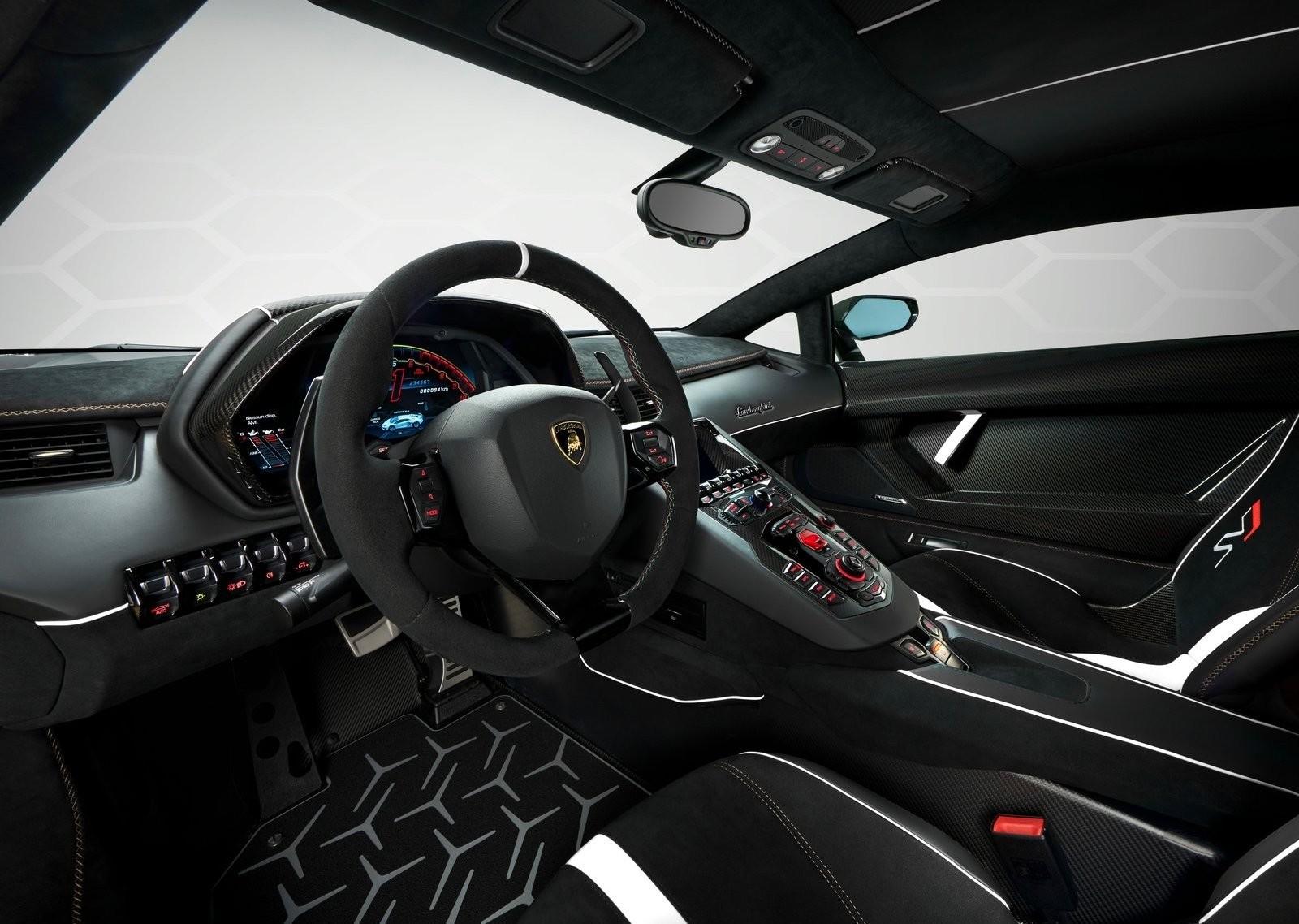 Foto de Lamborghini Aventador SVJ (23/23)