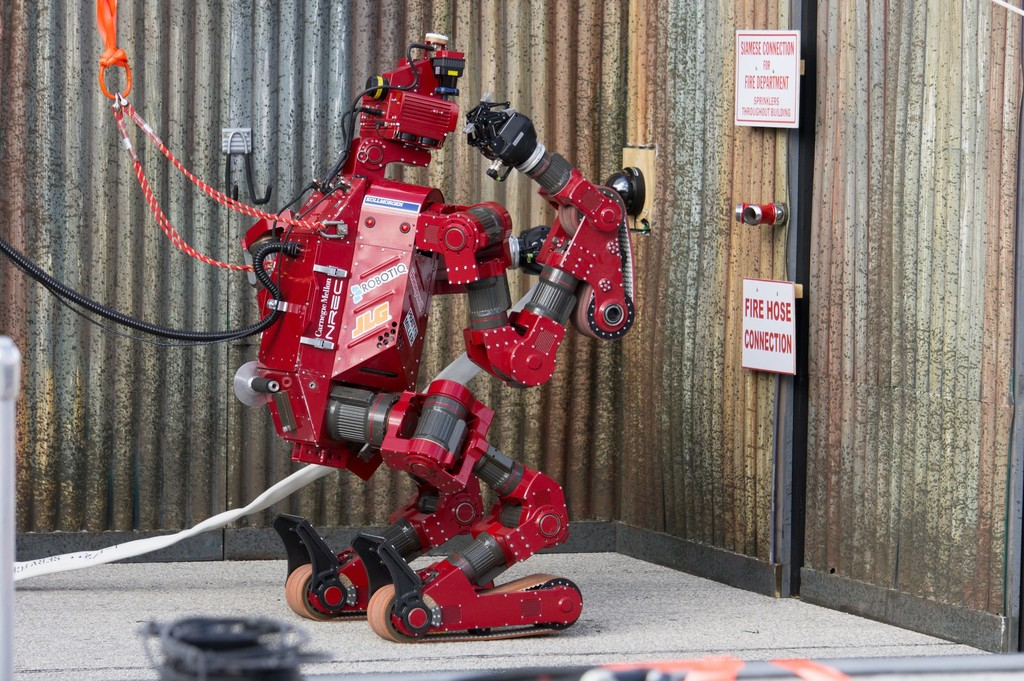 Las empresas españolas que apostaron por la automatización entre 1990 y 2016 aumentaron su plantilla un 10%