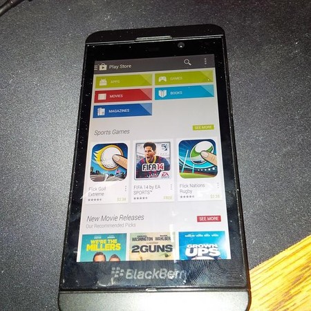 Android compartirá Google Play con BlackBerry
