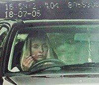 Maquillaje y conducción, mala combinación