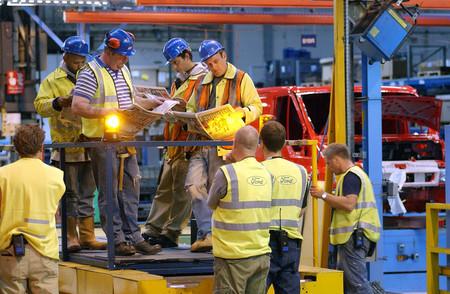 Ford planea cerrar también una fábrica de Reino Unido