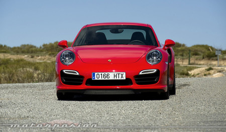 Porsche 911 Turbo frontal