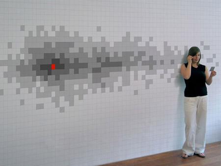 Pared pixelada con notas
