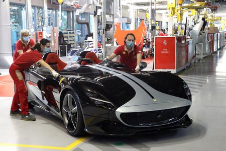Ferrari regresa a la actividad y estos son los primeros autos que saldrán de la línea de producción