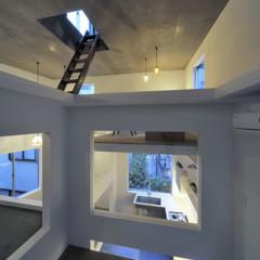 Foto 10 de 14 de la galería casas-poco-convencionales-viviendo-en-una-estanteria-gigante en Decoesfera