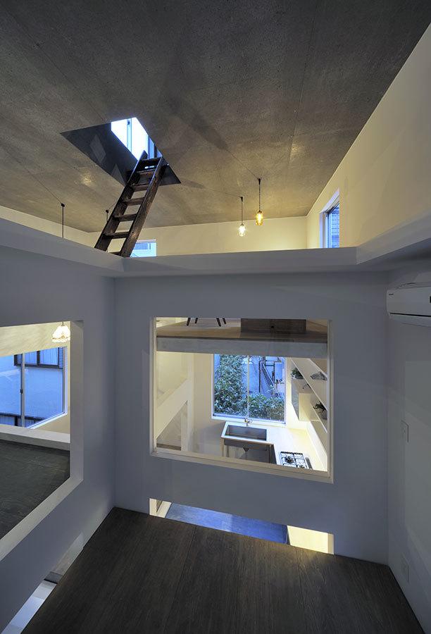 Foto de Casas poco convencionales: viviendo en una estantería gigante (10/14)