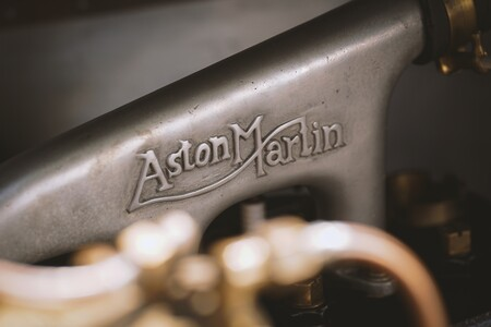 Aston Martin Vantage Roadster A3 2021 019