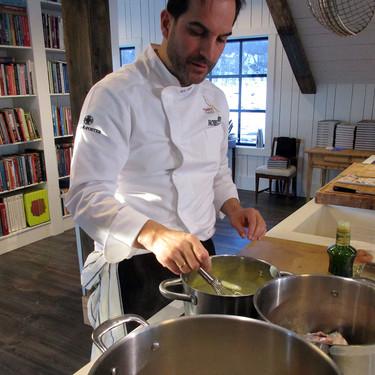 Un chef de estrella Michelin en la cocina de tu casa: así es Take a Restaurant (y estos son los restaurantes que se pueden plantar en tu domicilio)
