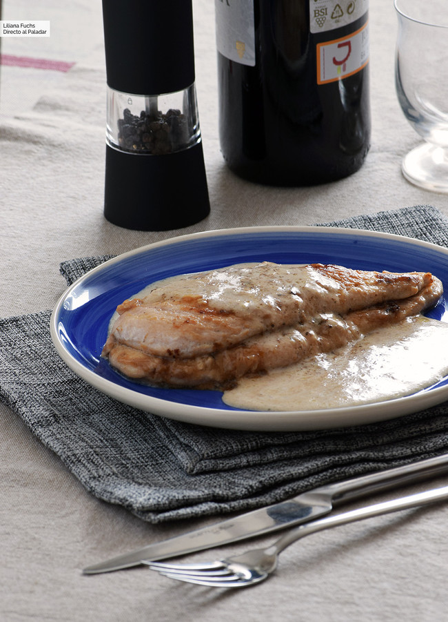 Pechugas de pollo rellenas de mermelada de higos y queso San Simón. Receta