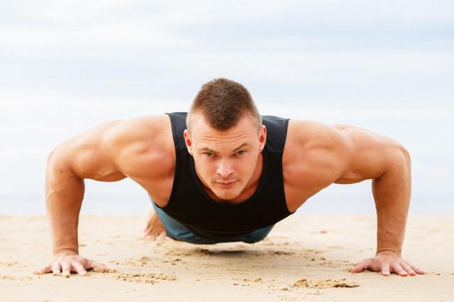 Prepárate para el verano: cuatro rutinas para entrenar en la playa