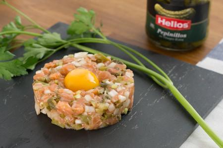 Aperitivo de Navidad: Tartar de salmón y encurtidos