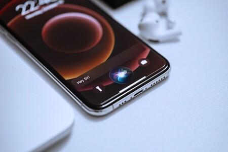 Diez años de Siri: la década en que los usuarios pusieron a los asistentes de voz en su sitio