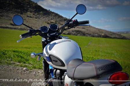 Triumph Bonneville T214 034