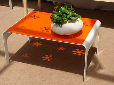 Mesa Lam: colorea tu suelo con luz